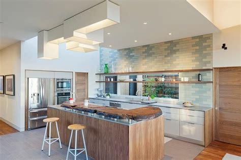 modele credence cuisine modèle de cuisine contemporaine blanche et bois pour