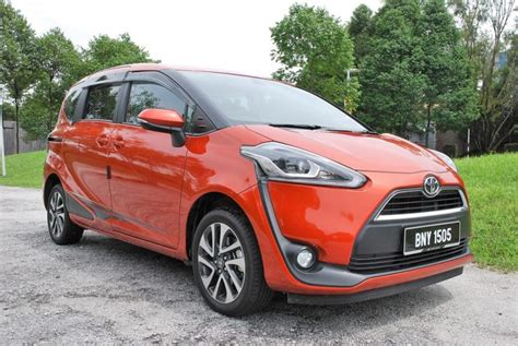 Review Toyota Sienta by Test Drive Review Toyota Sienta 1 5v Autofreaks