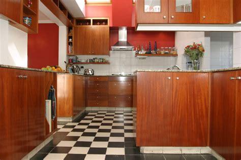 vernis cuisine merveilleux peindre des portes de placard en melamine 8 cuisine vernis vernis 10