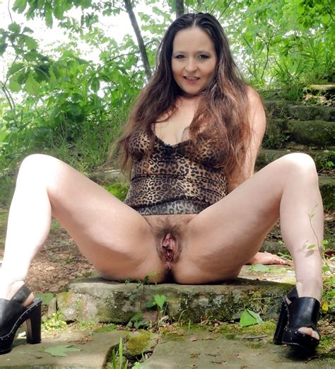 amateur posing nude tubezzz porn photos