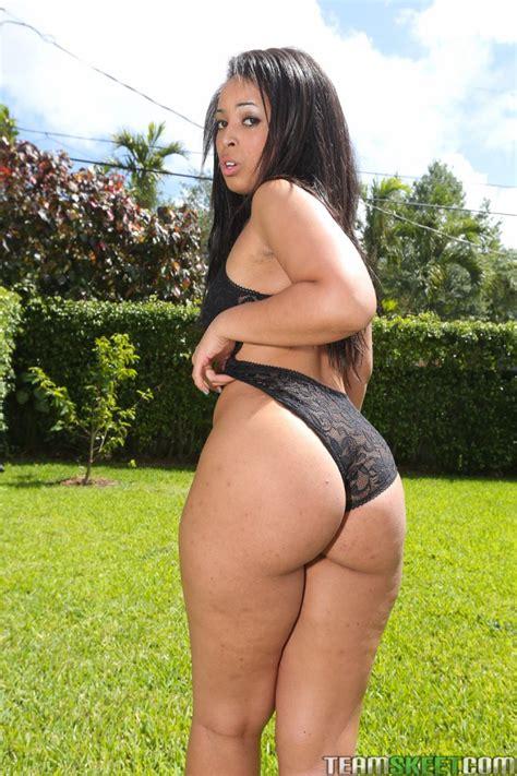 Ava Sanchez Big Booty Latina Fucks Hard Outdoors
