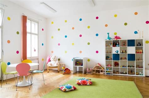 deco salle de jeux fille d 233 coration en stickers muraux 40 id 233 es pour la chambre d enfant