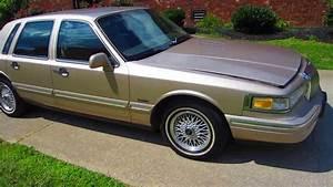 1997 Lincoln Town Car 4 6l V8 Gold 4