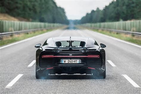 The bugatti veyron is the epitome of grace, luxury, and opulence in the automotive world. Bugatti Chiron: Review, Trims, Specs, Price, New Interior Features, Exterior Design, and ...