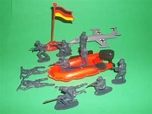 Billy V Attack Force German Army Assault Raft Figures Set ...