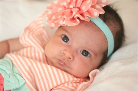 neonato in come impostare una routine per giornata di neonato 2 mesi