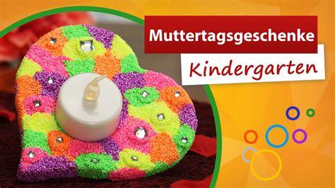 muttertagsgeschenke mit kindern basteln muttertagsgeschenke kindergarten trendmarkt24 bastelideen