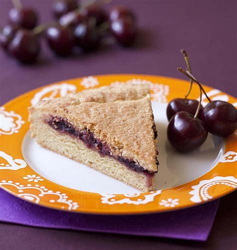 recette cuisine basque gâteau basque à la confiture de cerises noires les