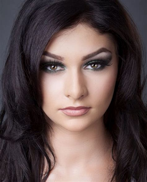 becoming a professional makeup artist become a professional make up artist make up artist