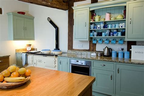 kitchen cabinets for corners 1000 images about cottage style kitchens on 6057