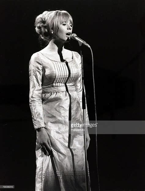 ► england pop music group navigational boxes (49 p). Music, England, 18th May 1965, British pop singer Marianne Faithfull...   Marianne faithfull ...