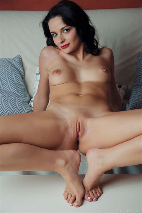 Ardelia A Nude In Photos From Metart
