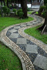 Best 25+ ideas about Flagstone Walkway   Find what you\'ll love
