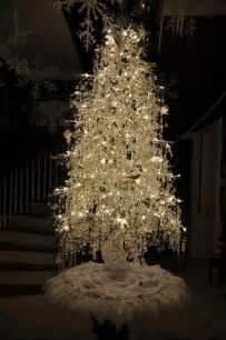 White Decorated Christmas Tree Ideas