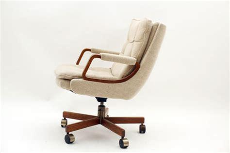 mid century modern lazy boy office chair in bushwick
