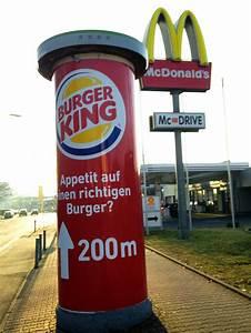 Burger King Werbung Vor Mc Donald39s Restaurant STADTKIND