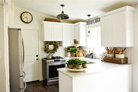best kitchen makeovers on a budget top 10 farmhouse kitchens on a budget seeking lavendar 9151