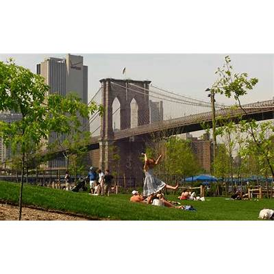 Brooklyn Bridge Park - HR&A