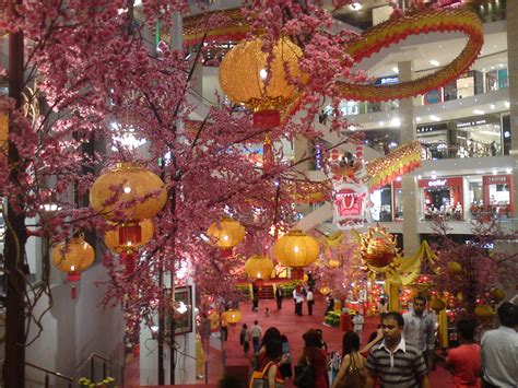 awesome new year 2012 decoration at pavilion kl