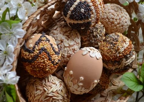 eco friendly easter dye and decorate easter eggs naturally