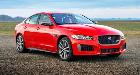 Jaguar Xe Hp by Jaguar Xe 300 Sport Debuts With 296 Hp 2 0 Turbo And