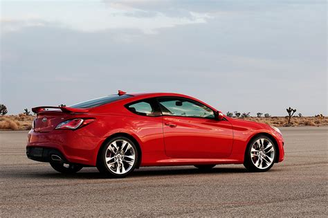 The sunroof, large rear windscreen and side windows make the genesis coupe one of the least claustrophobic coupes on the market. 2014 Hyundai Genesis Coupe Priced at $27,245 - Automobile ...