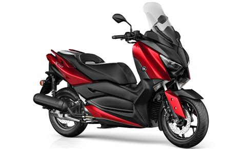 2018 Yamaha X-max 125 Scooter Unveiled