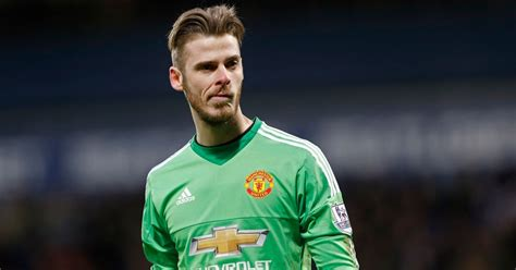 David De Gea transfer battle hots up as PSG join Real ...