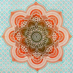 Green Geometric Classic Ombre Mandala Wall Tapestry