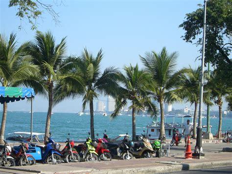 Pattaya Beach Road.jpg