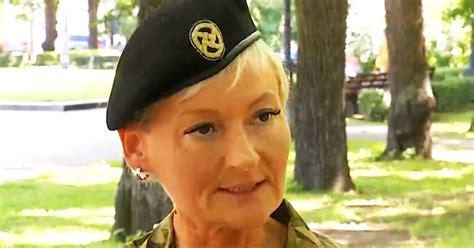 Latvijas armijā sievietei pirmo reizi piešķirta pulkveža pakāpe - Harmonijā - Egoiste - TVNET