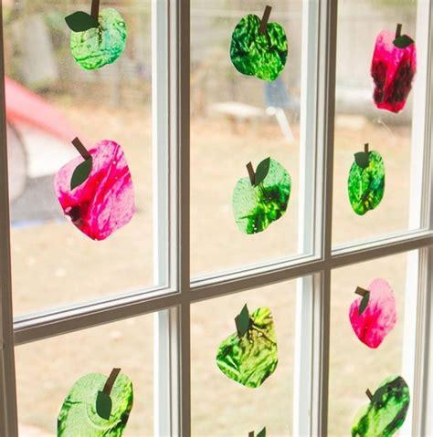 Herbstdeko Fenster Kita by Basteln Sie Eine H 252 Bsche Fensterdeko With