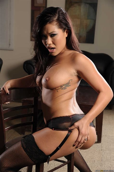 Gorgeous Asian Brunette London Keyes Undresses Her Sexy