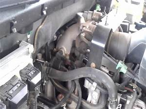 03 Ford Expedition 4 6l Pcv Hose Bad - Youtube
