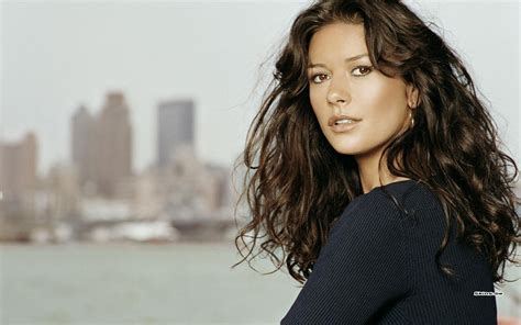 Catherine Zeta Jones Makeup Tips