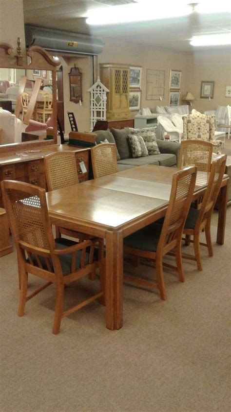 bassett dining table w chairs delmarva furniture consignment