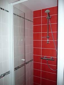 photo salle de bain rouge et blanc With salle de bain rouge et blanche