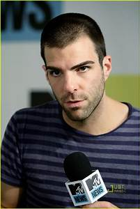 Full Sized Photo of zachary quinto comic con 08 | Photo ...