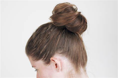 A With Hair by Een Knotje Maken Met Een Sok Wikihow