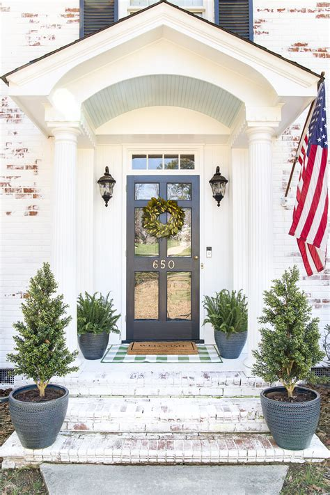 decorate  small porch stoop   easy steps