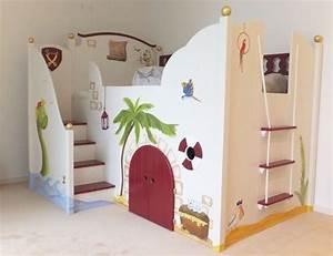 Kinderbett 4 Jahre : wahnsinnig sch nes piraten hochbett f r kinder hochbett ~ Whattoseeinmadrid.com Haus und Dekorationen