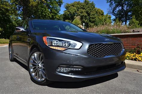 2015 Kia K900 Playing In The Luxury Segment