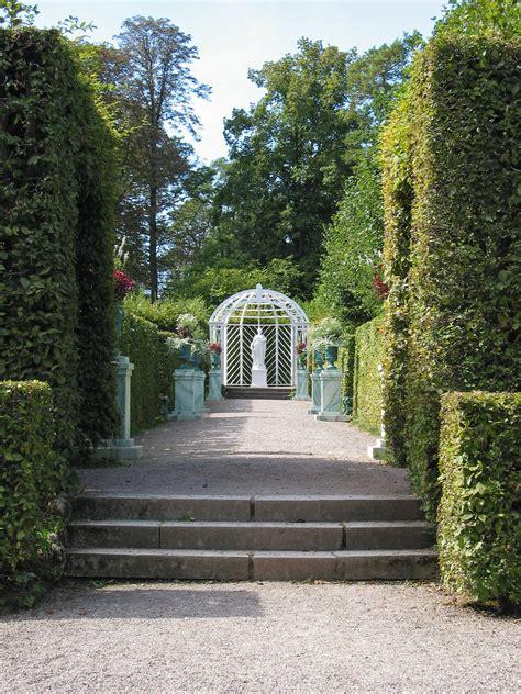 Filerussischer Garten Am Schloss Belvedere (weimar)jpg