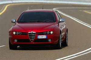 Alfa Romeo 159 Sw Ti : alfa romeo 159 sw 2 0 jtdm distinctive ti 1 photo and 51 specs ~ Medecine-chirurgie-esthetiques.com Avis de Voitures