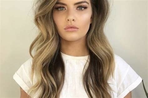 18 Greatest Long Hairstyles For Women With Long Hair In 2019 Simple Bun Hairstyle For Short Hair Cute And Easy Hairstyles Very Protective Styling Natural How To Make With Stick Cuts Colors 2016 Buns Curly Colour Over 40 Fringe