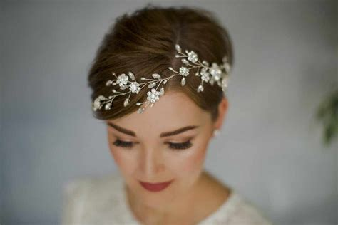style wedding hair accessories  short hair
