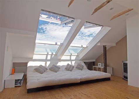 Einfamilienhaus Wohnzimmer Unterm Dach by Wohnzimmer Chillen Unterm Dach Dachfenster In 2019