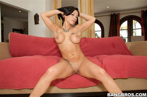 Gorgeous Bimbo Charlie Anne Shagged On The Couch Milf Fox