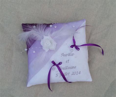 coussin alliance mariage personnalise coussin porte alliance mariage blanc parme violet brod 233