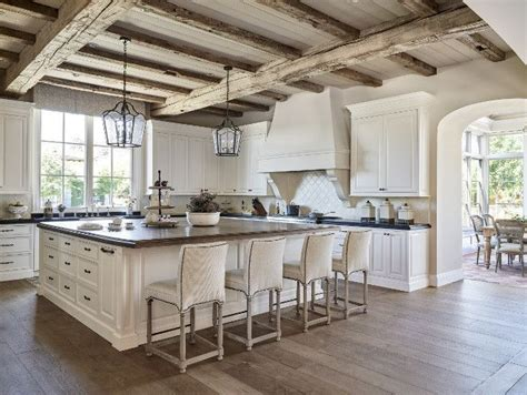 kitchen islands with cooktop 17 inspirational ideas for decorating traditional kitchen 5272